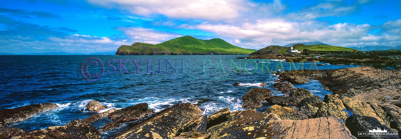 6x17 Panorama Irland - Der Leutturm am Cromwell Point auf Valentia Island am Tag fotografiert.