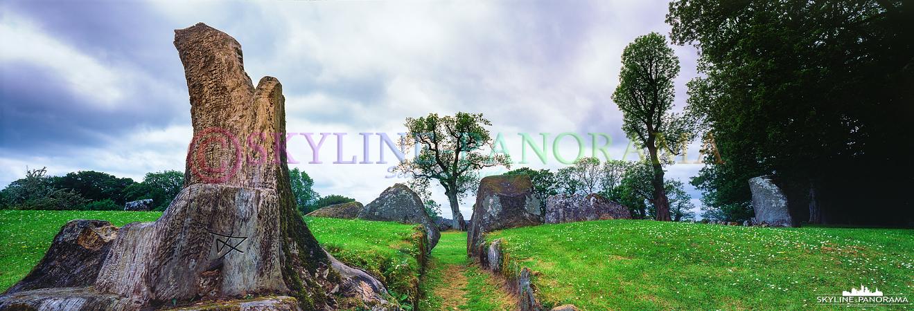 6x17 Panorama - Der Steinkreis von Grange ist mit 48m Durchmesser der Größte Irlands, hier als Panorama im Format 6x17 zu sehen.