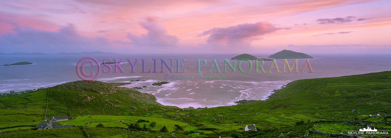 Das Panorama von einem der Aussichtspunkte am Ring of Kerry, dieser Spot befindet sich einige Kilometer vor der Ortschaft Waterville von Caherdaniel kommend.