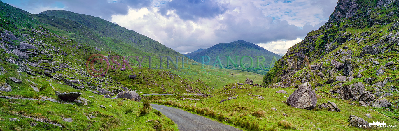 Der Ballaghbeama Gap ist eine Passstraße auf der Halbinsel Kerry. Man durchquert das Tal und die Strecke auf dem Weg von Glencar in Richtung des Ring of Kerry.