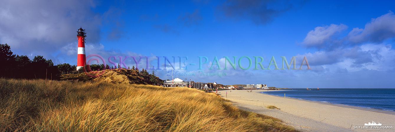Nordsee Panorama - Der Leuchtturm von Hörnum als Panorama mit Blick auf den Strand.