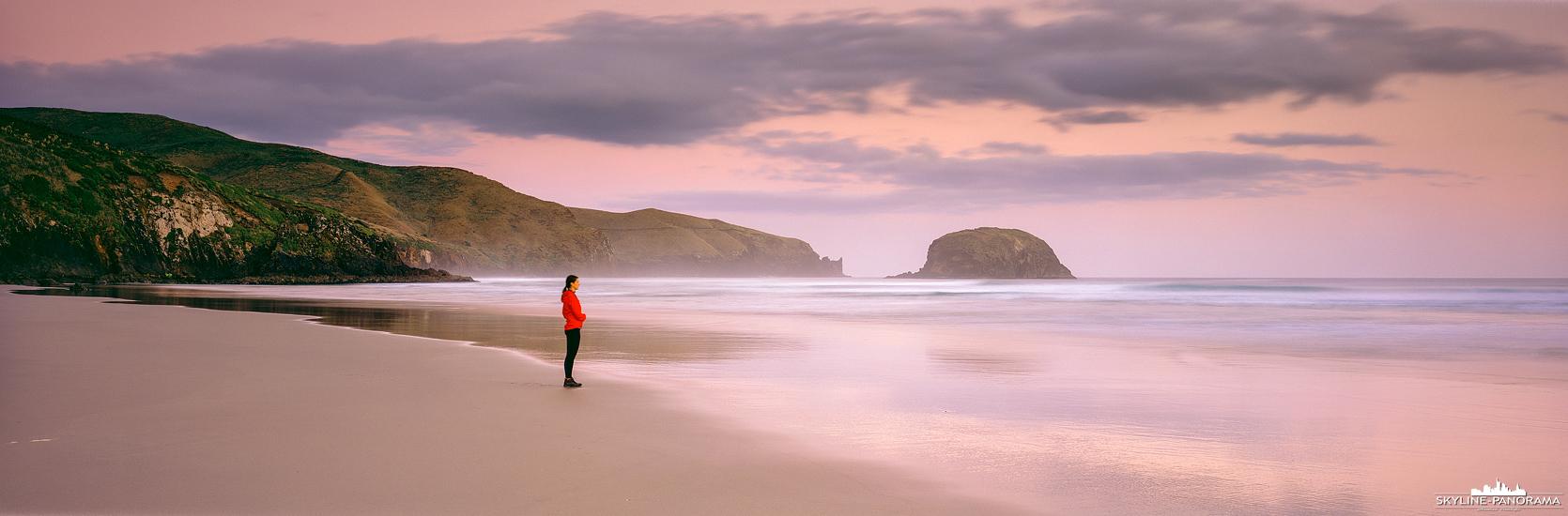 6x17 Panorama Neuseeland - Zum Sonnenuntergang am Allans Beach auf der Otago Halbinsel. Hierbei handelt es sich um ein schön gelegenen weißen Sandstrand, der von einigen Seelöwen bewohnt ist (hier nicht auf dem Panorama zu sehen) und an der Pazifikküste der Südinsel von Neuseeland liegt.