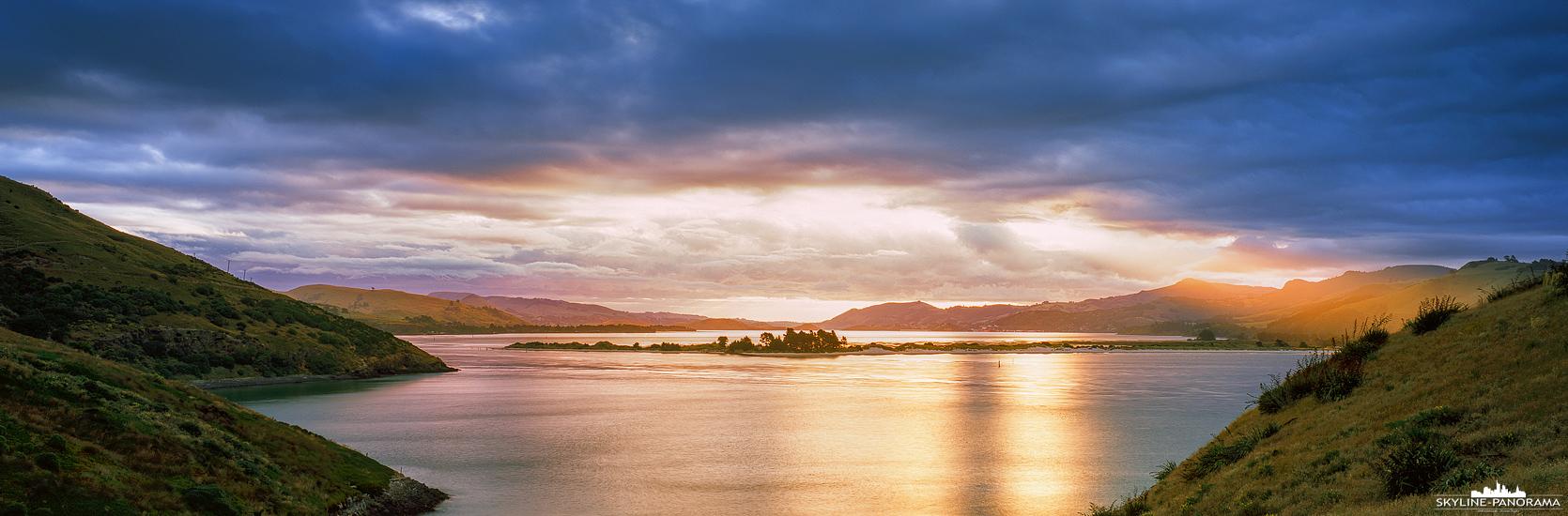 Südinsel von Neuseeland - Dieses Panorama ist zum Sonnenuntergang am Harington Point in Dunedin entstanden. An dieser etwas vorgelagerten Stelle auf der Otago Halbinsel kann man mit etwas Glück Pinguine, Seelöwen und Albatrosse beobachten.
