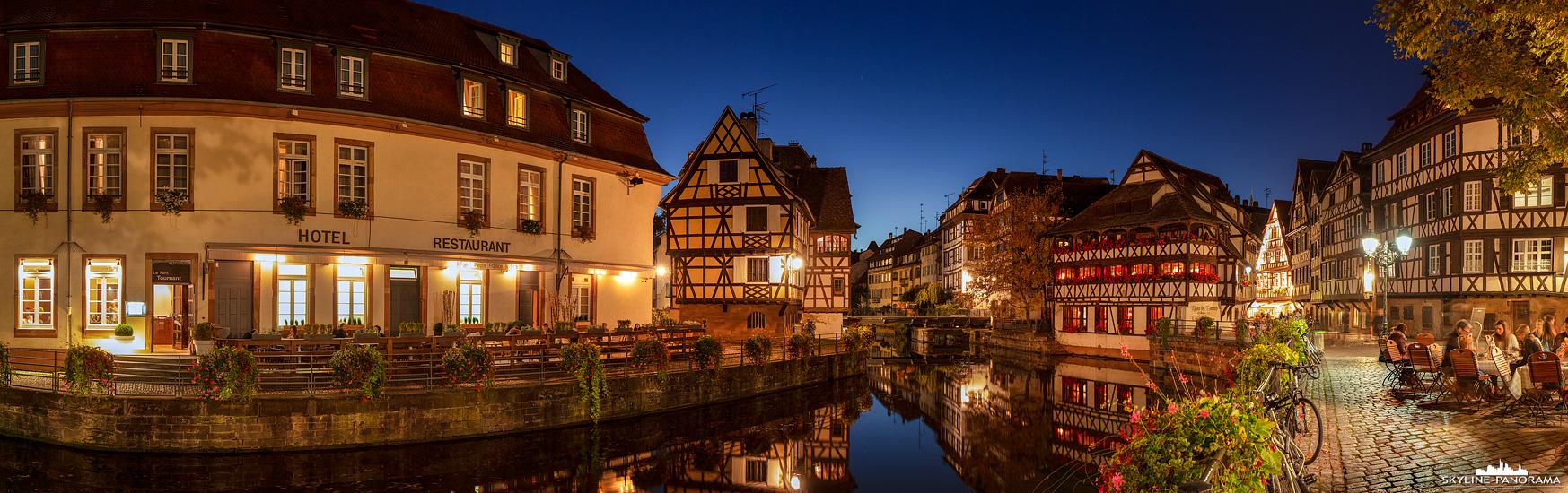 Das malerische Viertel Petite France (klein Frankreich) in der Altstadt von Straßburg ist bei Touristen und Einheimischen gleichermaßen beliebt. Zahlreiche Gassen mit den typischen traditionellen Fachwerkhäusern laden zum Durchstreifen des ehemaligen Gerberviertels ein.